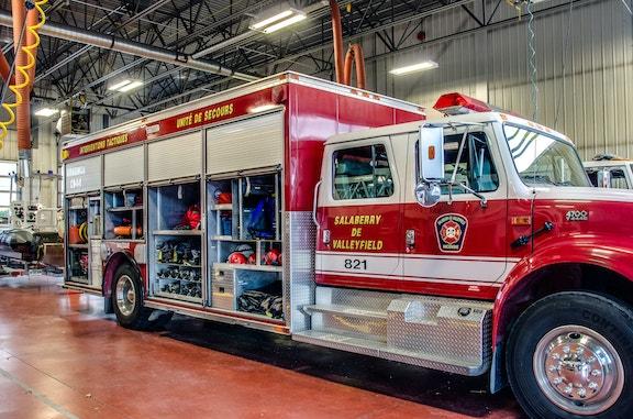 COMM 2015 Securite incendie Caserne 1 camion equipement citerne garage 12