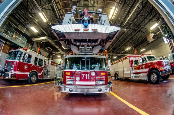 COMM 2015 Securite incendie Caserne 1 camion equipement citerne garage 15