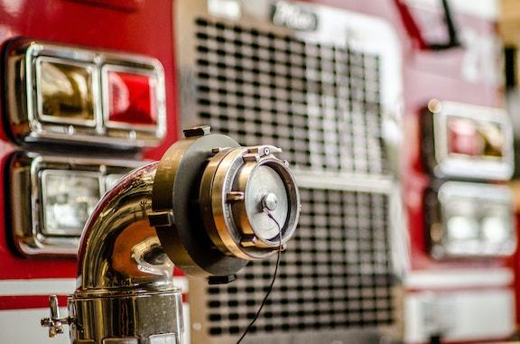 COMM 2015 Securite incendie Caserne 1 camion equipement citerne garage 41