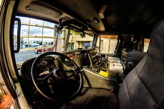 COMM 2015 Securite incendie Caserne 1 camion equipement citerne garage 52