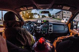 COMM 2015 Securite incendie Caserne 1 camion equipement citerne garage 55